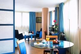 hotel_arthotel_suite1